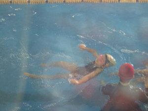 背浮き練習